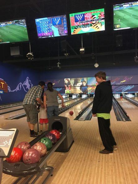 bowling-4_orig